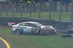 Accident pour James Golding, Garry Rogers Motorsport Volvo