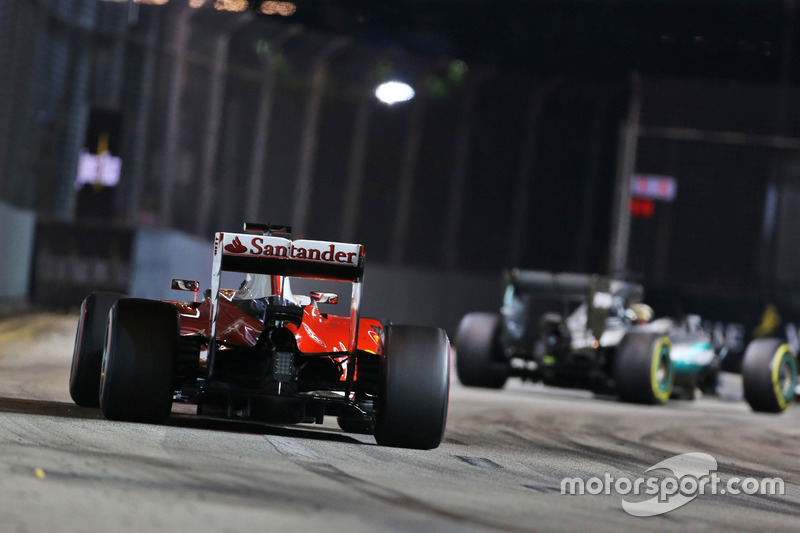 Kimi Räikkönen lutou com Hamilton durante boa parte da prova e chegou a superar o britânico, mas levou o troco na estratégia e terminou em quarto.