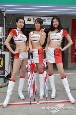 Lovely Excellence Porsche Team KTR girls