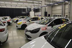 Yarış öncesi Clio Cup garajı