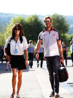 Romain Grosjean, Haas F1 Team con la moglie Marion Jolles Grosjean, Presentatrice TF1 TV