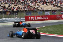 Pascal Wehrlein, Manor Racing MRT05 leads team mate Rio Haryanto, Manor Racing MRT05