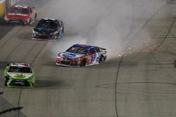 Crash d'A.J. Allmendinger, JTG Daugherty Racing Chevrolet