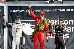 Podium : le vainqueur Scott Dixon, Chip Ganassi Racing Chevrolet, le 2e Josef Newgarden, Ed Carpenter Racing Chevrolet, le 3e Helio Castroneves, Team Penske Chevrolet