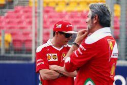 (L to R): Kimi Raikkonen, Ferrari with Maurizio Arrivabene, Ferrari Team Principal