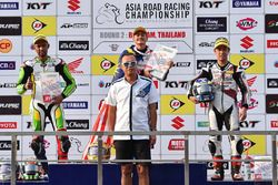 Podium SuperSports 600cc: race winner Zaqhwan Zaidi, second place Azlan Shah Kamaruzaman, third place Yuki Takahashi
