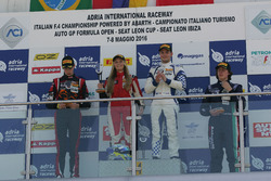 Carrera 1, podio novato: Simone Cunati, Vincenzo Sospiri Racing, Richard Verschoor, Bhaitech Enginee