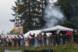 Spectators at Pflanzgarten