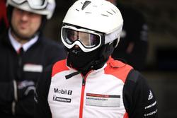 Mecánico de equipo Porsche
