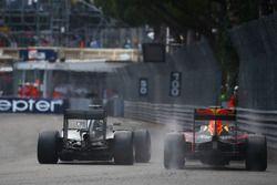 Lewis Hamilton, Mercedes AMG F1 W07, Daniel Ricciardo, Red Bull Racing RB12