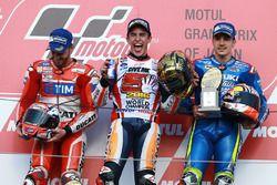 Podium : le vainqueur Marc Marquez, Repsol Honda Team, le second Andrea Dovizioso, Ducati Team, le troisième Maverick Viñales, Team Suzuki Ecstar MotoGP