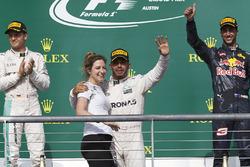 Winnaar Lewis Hamilton, Mercedes AMG F1, Victoria Vowles, Mercedes AMG F1 Partner Services Director