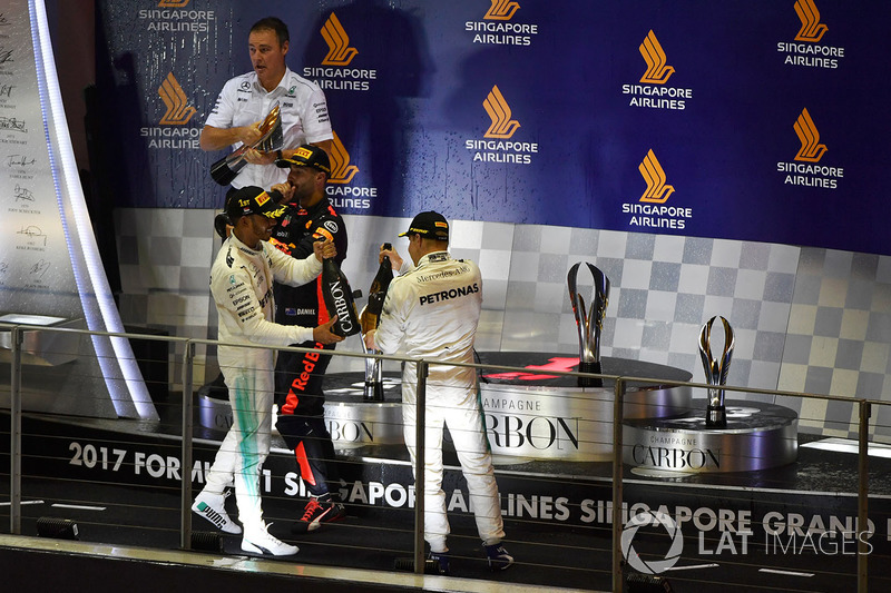 Podium: race winner Lewis Hamilton, Mercedes AMG F1, second place Daniel Ricciardo, Red Bull Racing, third place Valtteri Bottas, Mercedes AMG F1
