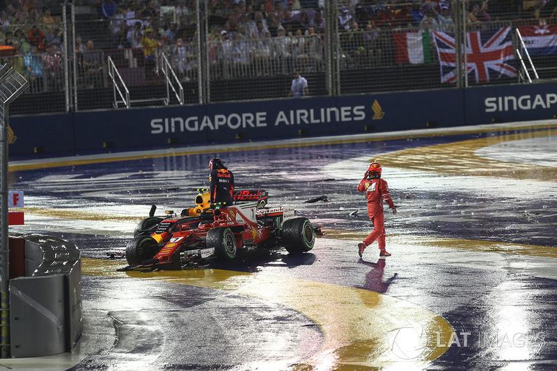 Max Verstappen, Red Bull Racing RB13 and Kimi Raikkonen, Ferrari SF70H crashed at the race start
