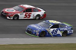 Грей Голдинг, Premium Motorsports Toyota и Джимми Джонсон, Hendrick Motorsports Chevrolet