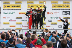 Podium, Brett Smith, Eurotech Racing Honda Civic Type R, Dave Newsham, BTC Racing Chevrolet Cruze, Matt Neal, Team Dynamics Honda Civic Type R and Dave Newsham, BTC Racing Chevrolet Cruze