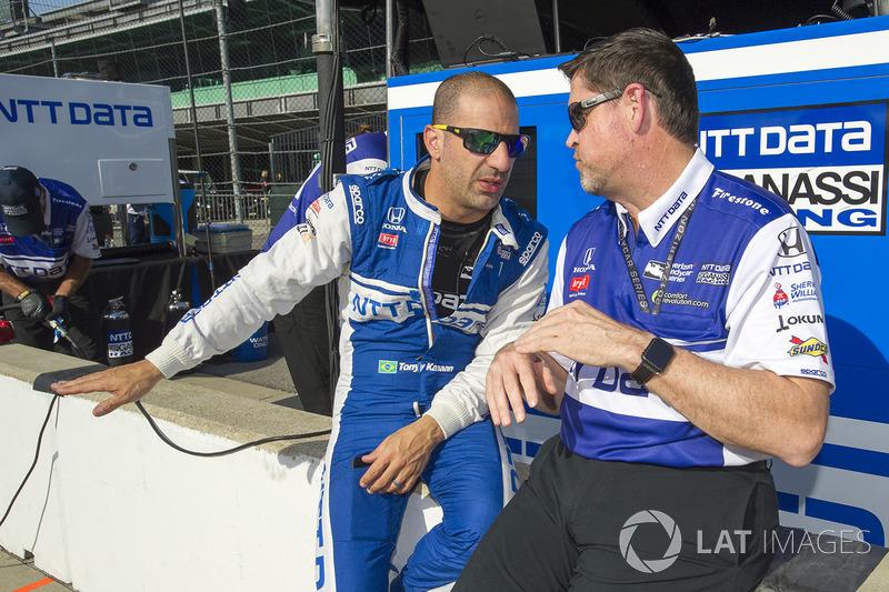 Tony Kanaan, Chip Ganassi Racing, Honda, mit Eric Cowden, Ingenieur