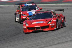 #11 Scuderia Praha, Ferrari 488 GT3: Jiri Pisarik, Josef Král, Matteo Malucelli e #58 VDS Racing Ad