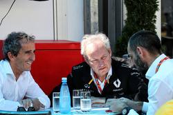 Alain Prost, consultant de Renault Sport F1 avec Jérôme Stoll, président de Renault Sport F1 et Cyril Abiteboul, directeur général de Renault Sport F1