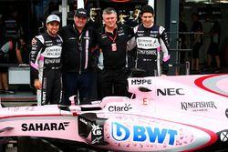 Sergio Perez, Sahara Force India F1, Lutz Huebner, BWT, Otmar Szafnauer, et Esteban Ocon, Sahara Force India F1 Team
