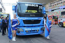 Truck of Ryan Smith with hot grid girls