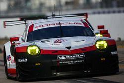 #911 Porsche Team North America Porsche 911 RSR: Patrick Pilet, Dirk Werner, Frédéric Makowiecki