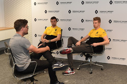 Andrew van Leeuwen van Motorsport.com Australië interviewt Nico Hülkenberg en Jolyon Palmer van het