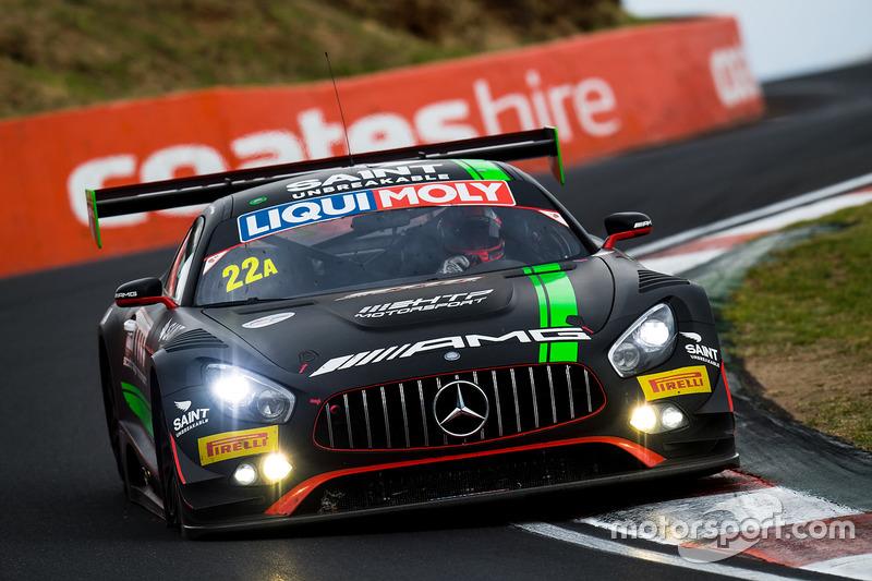 ... Crash des Mercedes von Shane van Gisbergen, Maro Engel, Craig Baird