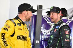 Matt Kenseth, Joe Gibbs Racing, Toyota; Kurt Busch, Stewart-Haas Racing, Ford