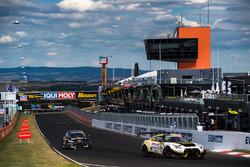 №24 Nissan Motorsport, Nissan GT-R Nismo GT3: Флориан Штраусс, Тодд Келли, Ян Марденборо