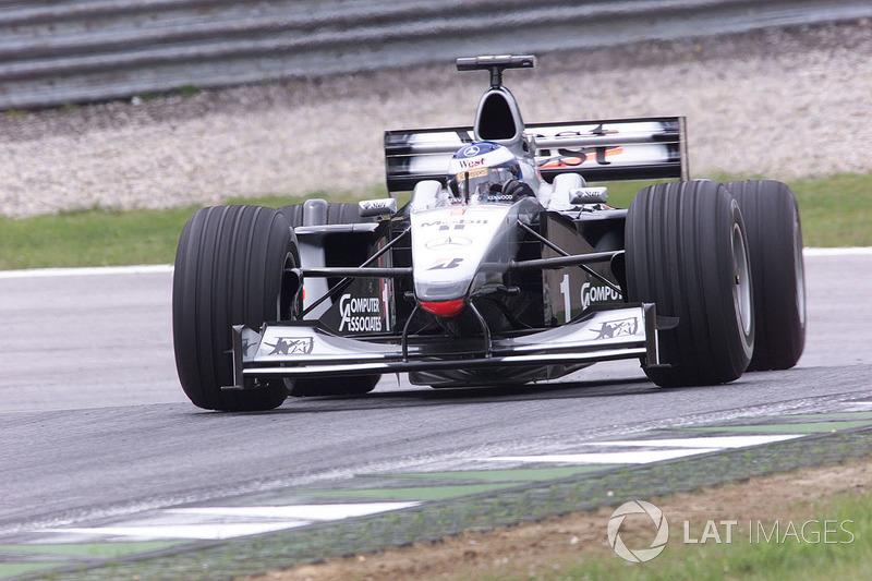 McLaren-Mercedes MP4/13: 9 victorias