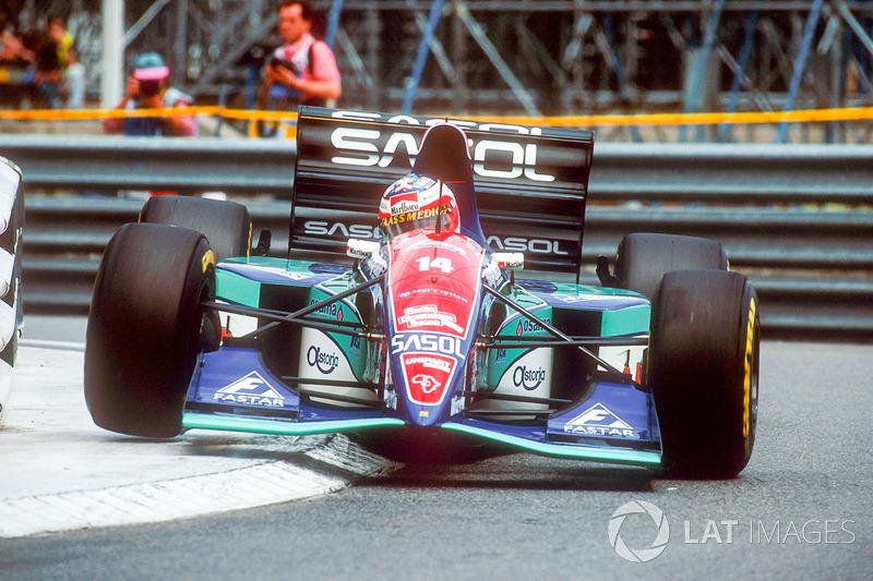 1994: Jordan, 6º no campeonato (19 pts). Com passagens por Jordan, Stewart, Ferrari, Honda, Brawn e Williams, Barrichello conquistou 11 vitórias na carreira - é o 27º na história, empatado com Felipe Massa e Jacques Villeneuve.