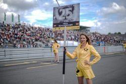 Grid girl, Mick Schumacher, Prema Powerteam, Dallara F317 - Mercedes-Benz
