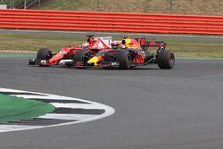 Sebastian Vettel, Ferrari SF70H battles, Max Verstappen, Red Bull Racing