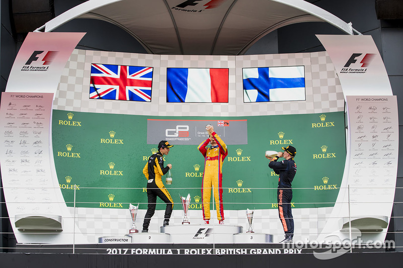 Podium: 1. Giuliano Alesi, Trident; 2. Jack Aitken, ART Grand Prix; 3. Niko Kari, Arden International