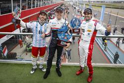 Победитель Ян Эрлаше, RC Motorsport, второе место – Эстебан Герьери, Campos Racing, третье место – М