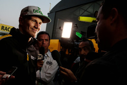 Nico Hulkenberg, Renault Sport F1 Team RS17 with the media