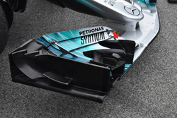Mercedes AMG F1 W08, front wing r cascade