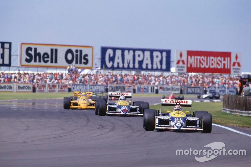 Nelson Piquet, Williams FW11B Honda, lidera a Nigel Mansell, Williams FW11B Honda y Ayrton Senna, Team Lotus Honda 99T