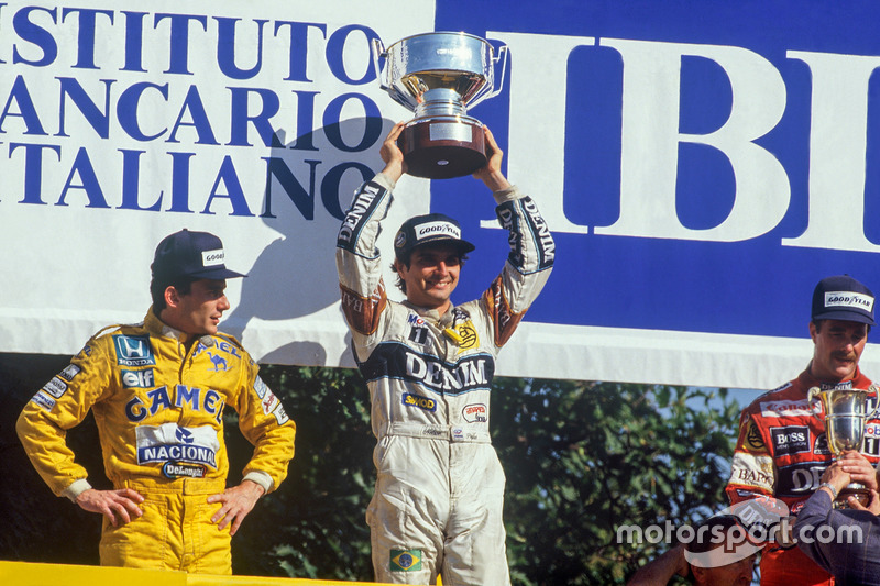 Podio: el ganador Nelson Piquet, Williams, el segundo Ayrton Senna, Team Lotus, el tercero Nigel Mansell, Williams