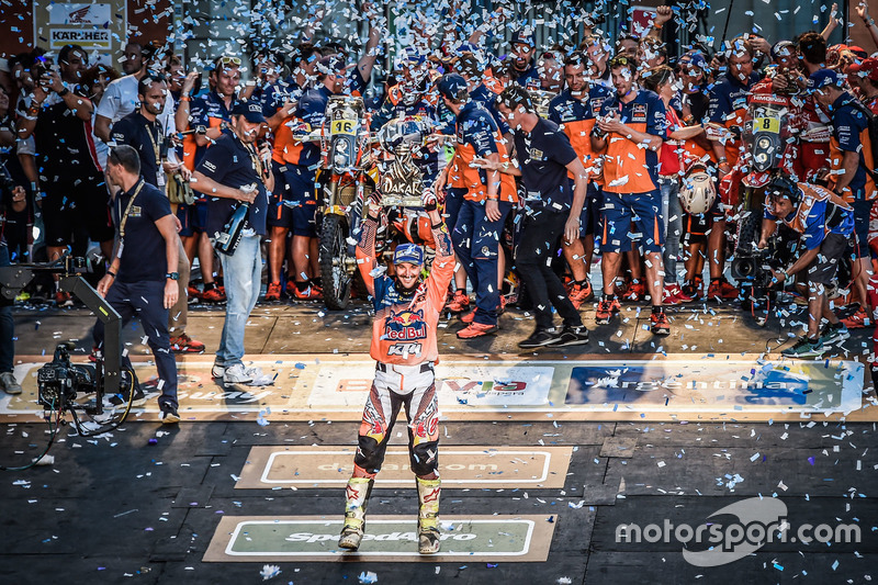 Winner #14 Red Bull KTM Factory Racing: Sam Sunderland