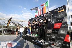 Podium: les vainqueurs #63 GRT Grasser Racing Team, Lamborghini Huracan GT3: Mirko Bortolotti, Christian Engelhart, Andrea Caldarelli, les deuxièmes #50 Spirit of Race, Ferrari 488 GT3: Pasin Lathouras, Michele Rugolo, Alessandro Pier Guidi, les troisièmes #84 Mercedes-AMG Team HTP Motorsport, Mercedes-AMG GT3: Maximilian Buhk, Franck Perera, Jimmy Eriksson