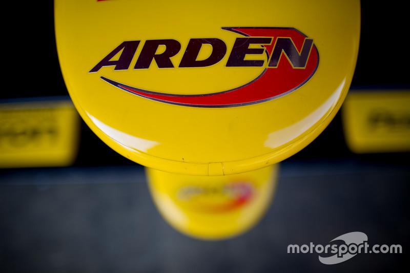 Arden International Background 10