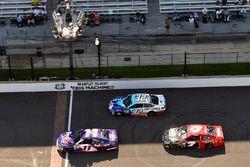 Денни Хэмлин, Joe Gibbs Racing Toyota и Джей-Джей Йели
