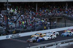 Kasey Kahne, Hendrick Motorsports Chevrolet restart