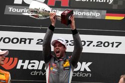 Podium: Sieger Niels Langeveld, Racing One, Audi RS3 LMS