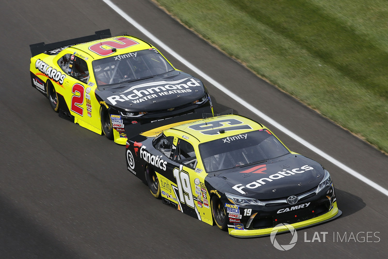 Matt Tifft, Joe Gibbs Racing Toyota Paul Menard, Richard Childress Racing Chevrolet