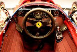 Кокпит Ferrari 312B
