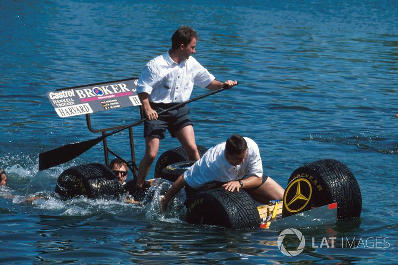 Mekanikerlerin raft yarışında Sauber ekibi batıyor!