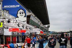 Le Mans, pitlane